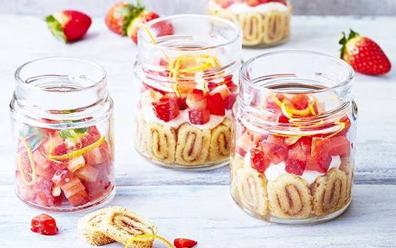 Petite charlotte aux fraises en bocal